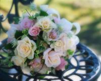 Un tripudio di colori o un unico fiore per la Sposa?