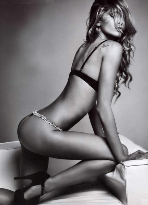 Elena Santarelli - Foto 18