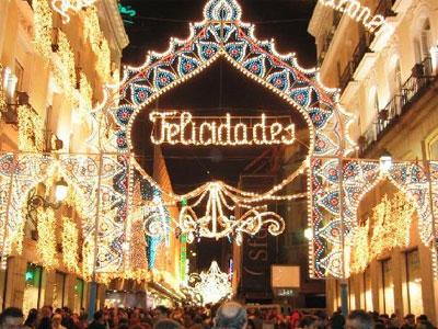 Una via centrale di Madrid a Natale